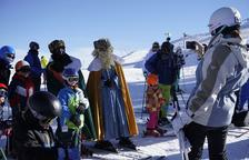 Las pistas de esquí aguantan pese al calor y el viento