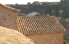 Obras en el tejado de la iglesia de Albesa