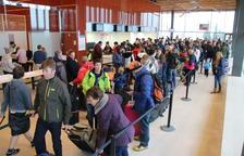 Els vols del Regne Unit aterren a Alguaire a pesar de la boira