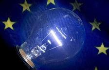 Utilitzar bombeta LED en comptes de tradicional estalviaria 10 euros a l'any a la factura