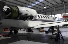 El aeropuerto de La Seu, también taller de aviones de hasta 10 plazas