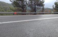 Mor un motorista andorrà de 64 anys en una sortida de via a la carretera C-14 a Bassella