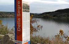 Mequinensa senyalitza 6 punts de pesca a Riba-roja amb 14 tòtems
