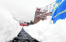 Las bajas temperaturas mantienen la calidad de la nieve y atraen a los esquiadores