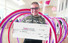 La jove Ingrid dóna 4.590 € per investigar sobre el càncer