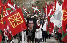 França atansa al País Basc tres presos més d'ETA