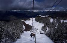 Más nieve en las estaciones, que ya rozan los tres metros