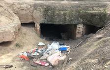 Alfés retira escombraries de la zona de les trinxeres