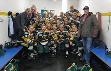 Moren 14 jugadors al xocar el seu autobús al Canadà
