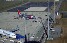 Una avioneta s'estavella a Flix i deixa tres morts
