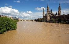 Incomunicado un barrio de Alfocea, en Zaragoza, a causa de la crecida del Ebro