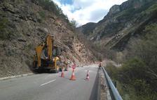 Caiguda controlada de roques i pas alternatiu a l'Eix Pirinenc a Malpàs