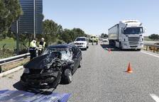 Accidente y largas colas en la autovía A-2 en Alcoletge