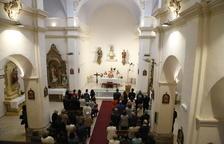 Rosselló reobre l'església 27 mesos després de l'ensorrament i el poble demana el campanar