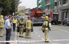 Desallotgen un bloc de pisos per un incendi a Torrefarrera
