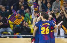 El Barça bate al Reus y luchará por el título ante el Porto