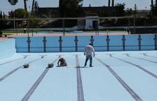 Últims preparatius a les piscines de les Borges Blanques