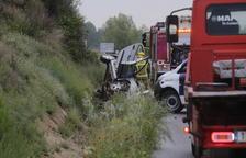 Una persona morta en una col·lisió entre tres vehicles a la C-12 a Corbins
