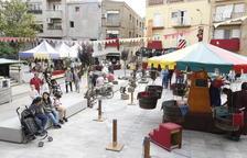 Més de 4.000 persones omplen els carrers d'Aitona en el XVI Mercat Barroc