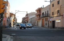 Bombers sufoquen dos incendis que cremen cotxes a Mollerussa