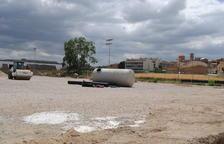 Golmés instal·la ja la gespa artificial al seu camp de futbol