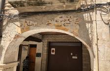 Les Borges rehabilita els porxos de la plaça 1 d'octubre