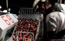 Más de 2.300 personas atenderán a a los 630 migrantes del Aquarius