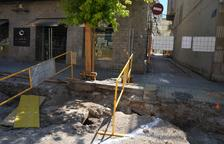 Hallan un antiguo pozo en las obras del centro de Mollerussa