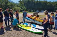 Cientos de bañistas llenan ya las 'playas de interior' de Lleida con la llegada del verano