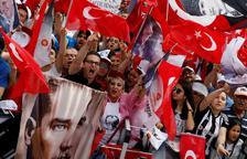 Turquia es prepara per a uns comicis que poden donar més poder a Erdogan