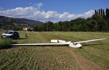 Aterratge d'emergència d'un planador en un camp de la Seu