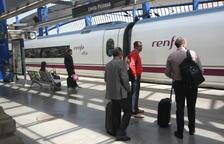 Europa denuncia la falta de viatgers i els costos de l'AVE