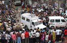 Hallan once cadáveres colgados en una vivienda de Nueva Delhi