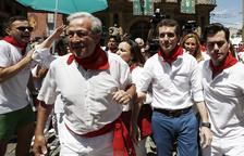 El PP pide unidad mientras Casado y Santamaría siguen su campaña