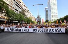 Miles de personas claman en Barcelona por libertad de los presos y regreso de los exiliados