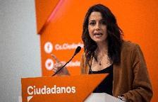 Inés Arrimadas abroncada en Canet de Mar