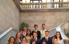 Formación a 15 alumnos de la UdL en el Parlament