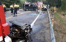 Moren a Vidreres els quatre joves d'un cotxe en una col·lisió frontal