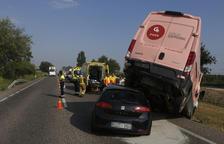 Dos ferits greus i cues en xocs a l'N-240 a Torregrossa i l'autovia a Bell-lloc