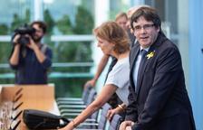 """Puigdemont afirma des d'Alemanya que """"no trigaré vint anys a trepitjar terra català"""""""
