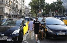 Los taxistas desconvocan la huelga al atender Fomento sus peticiones
