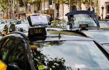 Los 1.500 taxis que ocupan la Gran Via cortan el tráfico en Paseo de Gracia