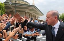 Turquía bloquea bienes a 2 estadounidenses