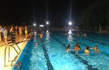 Baño nocturno en las piscinas de La Seu d'Urgell como aperitivo de la Festa Major