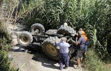 Mor un veí de Torrelameu de 53 anys al bolcar amb el tractor