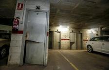 Rebenten més d'una trentena de trasters en un pàrquing a Ronda