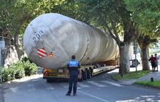 Expectación en La Seu por el traslado de cuatro tanques de gas propano