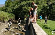 Rurales rescatan 600 truchas autóctonas en el Pallars Sobirà