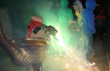 Foc, color i música a Isona amb la Dinogresca