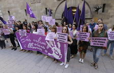 Detingut a Lleida per agafar del coll la seua parella i colpejar-la contra una paret
